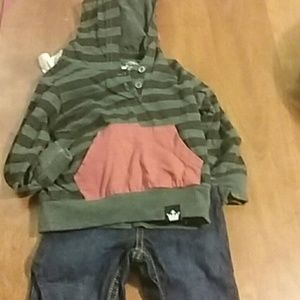 Complete outfit dinosaur Spike hoodie Size 6m